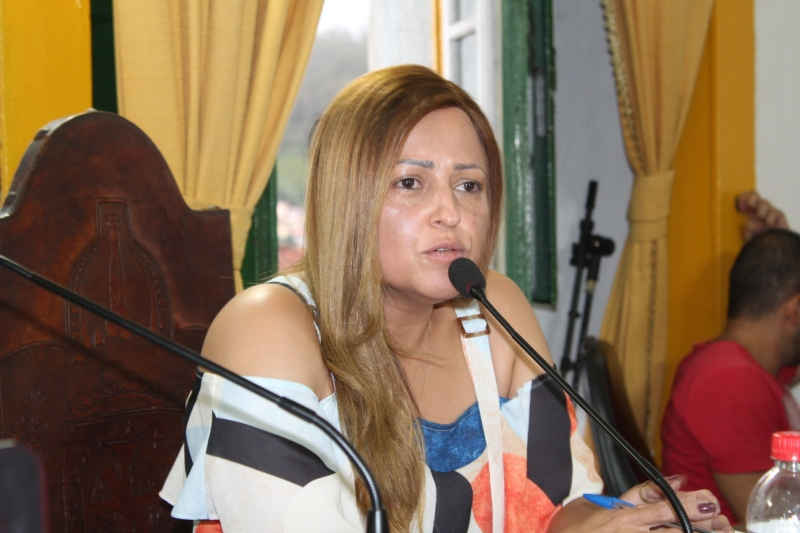 Vereadora Daniely Alves, autora do Requerimento 140/2020 (arquivo)