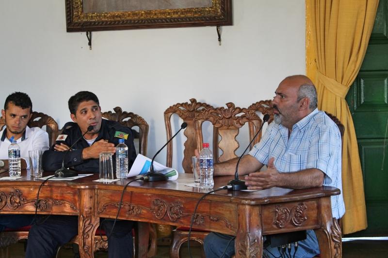 Vereadores João Bosco (PP) e Antônio Marcos Ramos de Freitas (Cidadania) debatem sobre projetos da pauta do dia.