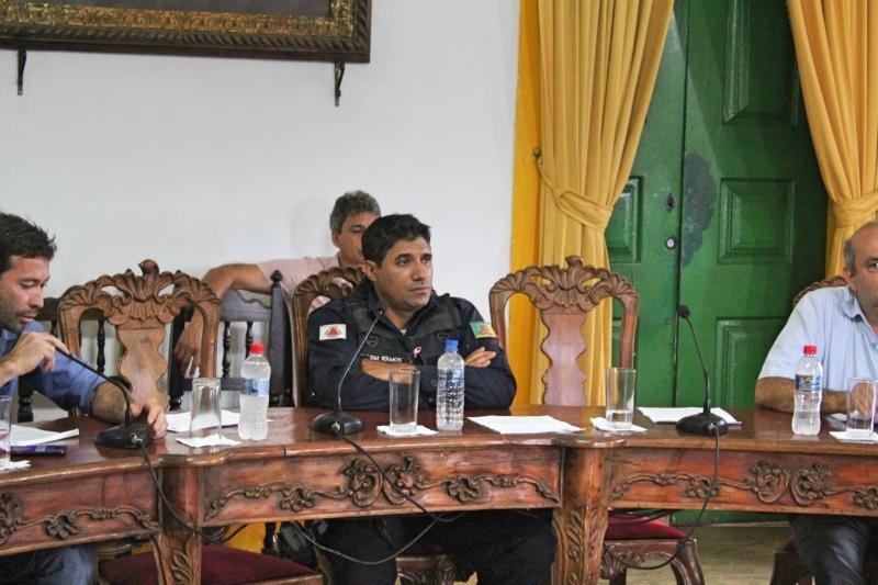 Vereadores durante debates da 32ª Reunião Ordinária.